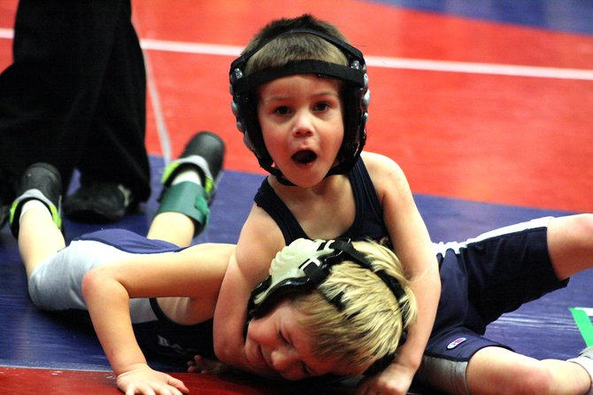 youth-wrestler