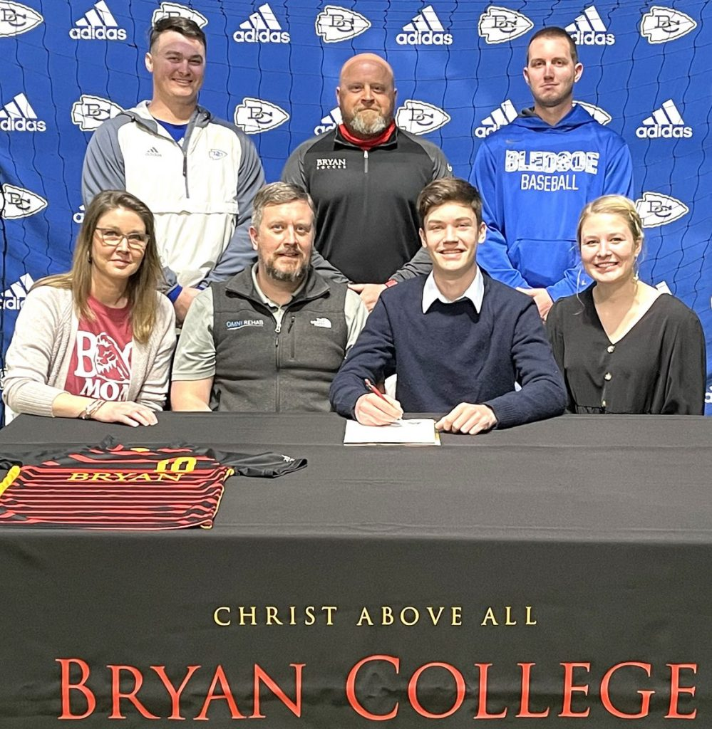 Smith signs with Bryan